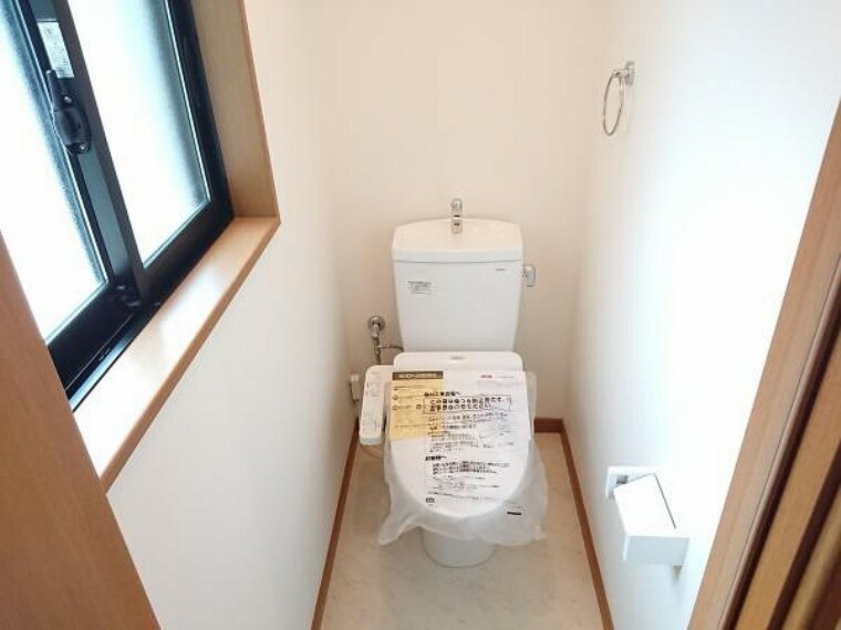 トイレ 【リフォーム済】二階のトイレも新品に交換致しました。