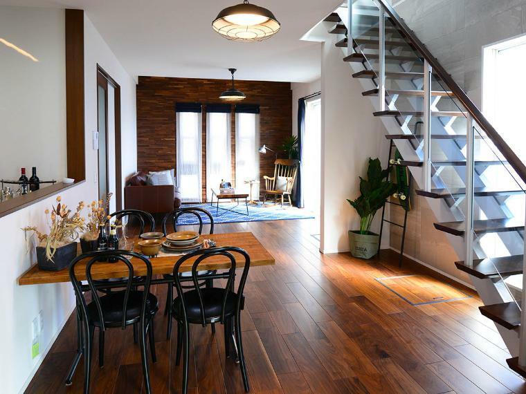完成予想図(内観) シンプルながらもデザインにこだわった、リビングインスタイルのオープン階段。大人の上質な暮らしを彩ります。※当社施工例