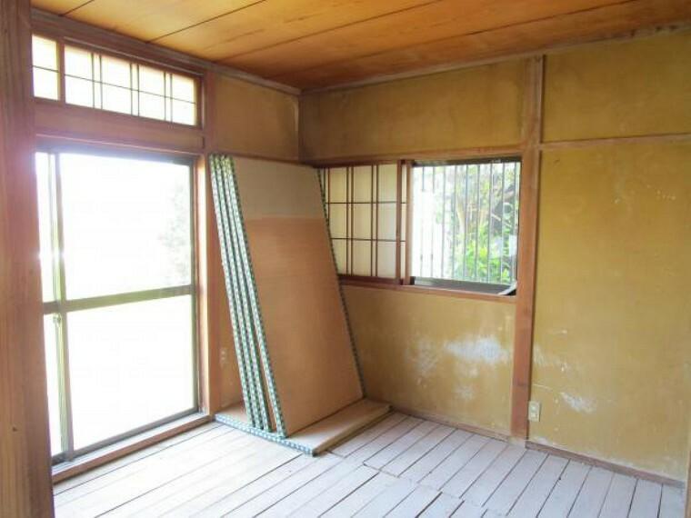 【リフォーム中】1階北側和室です。洋室へと間取り変更を行います。