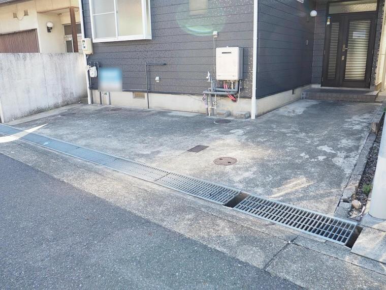 駐車場 駐車場 交通量が多くないので落ち着いて駐車できます