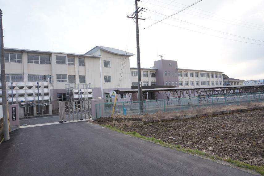 中学校 平和中学校 愛知県稲沢市平和町平池七反田53
