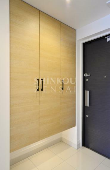 玄関 玄関 ※同タイプ参考写真/一部仕様内装カラーは実際と異なります