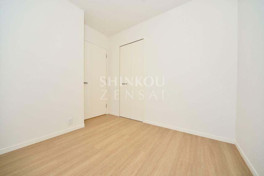 洋室 洋室(2) 約5.1帖 ※同タイプ参考写真/一部仕様内装カラーは実際と異なります