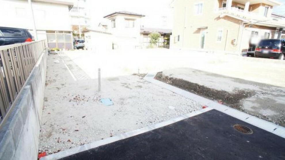現況写真 前面道路含む現地写真 陽当りや周辺施設など現地でご確認くださいませ