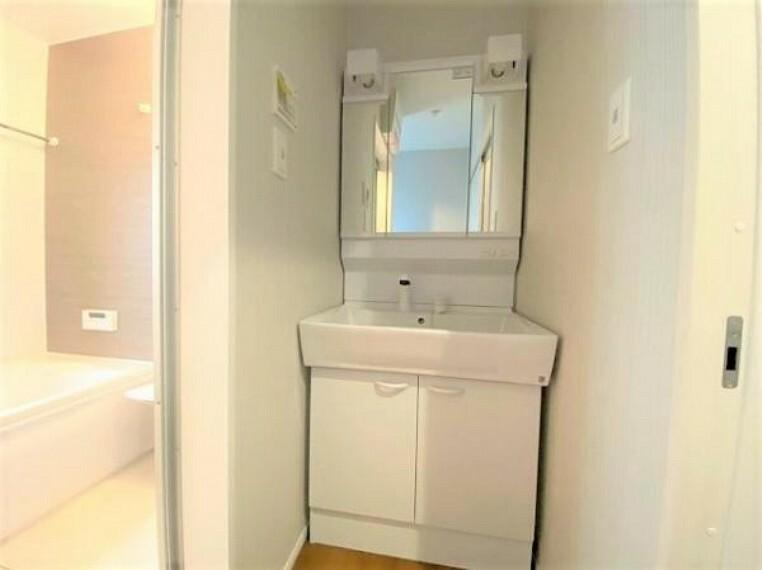 洗面化粧台 洗面室は、毎朝心すがすがしい気持ちで1日をスタートできます!