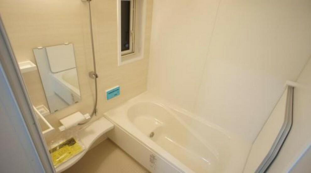 浴室 風呂 お子様と一緒にバスタイムを楽しめる広々浴室