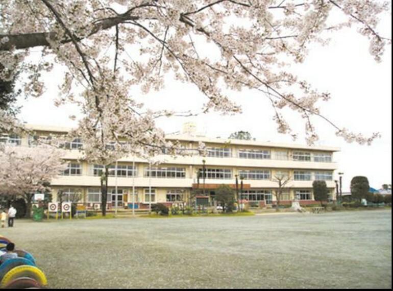 小学校 【小学校】吉見小学校まで2485m