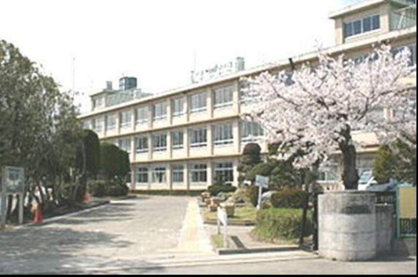 中学校 【中学校】大里中学校まで4632m