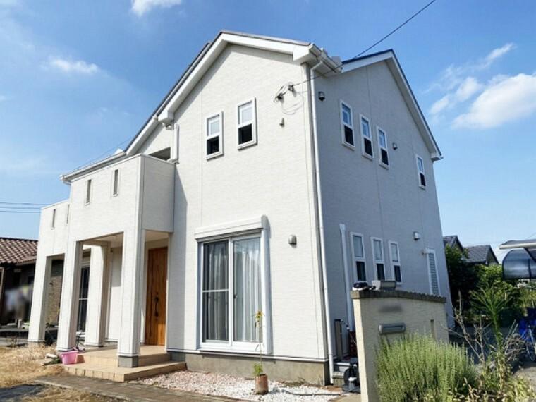 外観写真 富士住建施工 フル装備の注文住宅。