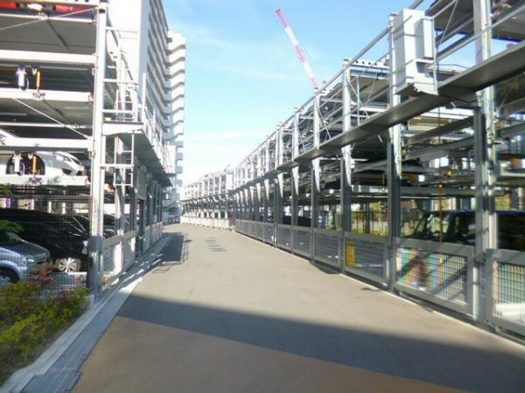 駐車場 敷地内に駐車場がありますので便利ですね