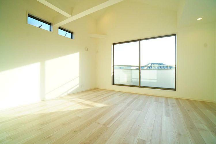 居間・リビング 天井高も高く、開放感のあるリビング