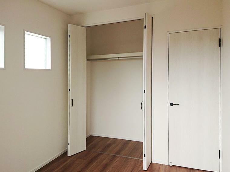 収納 2階居室クローゼット