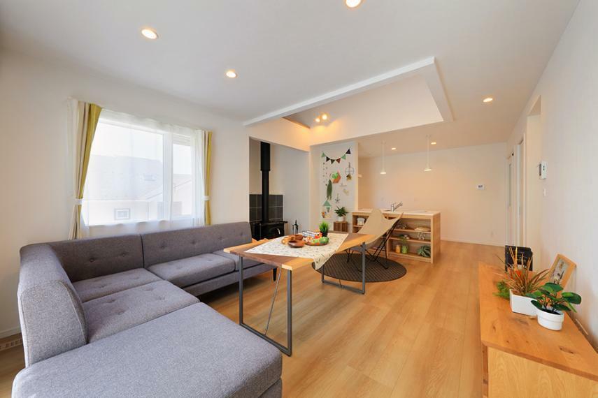 居間・リビング 「薪ストーブのある家」モデルハウス公開中