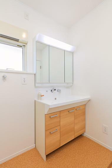 洗面化粧台 1階で生活動線完結のユニバーサルプラン