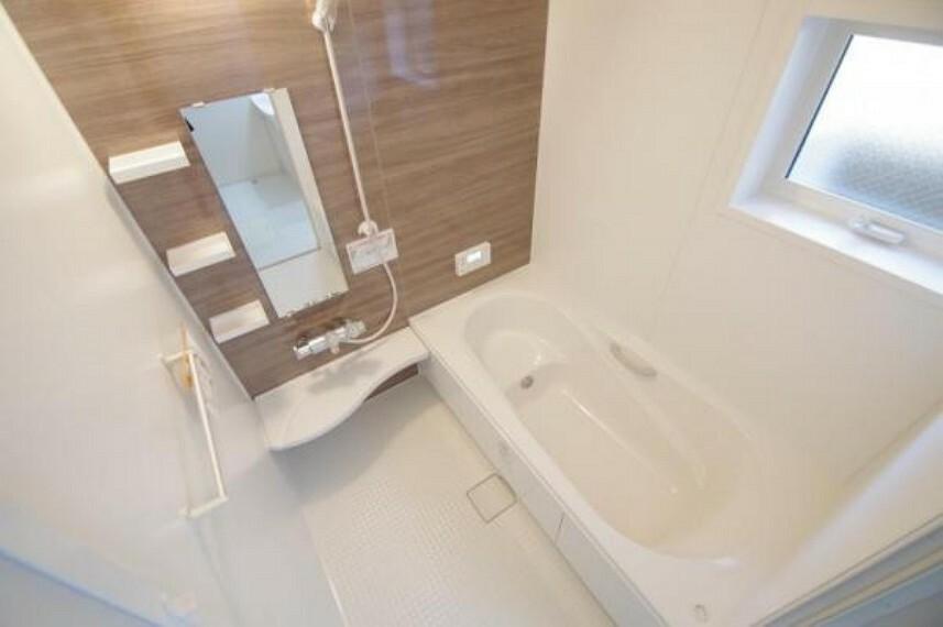 浴室 《浴室》ゆったりとした1坪サイズの浴室は、日々の疲れを癒してくれます!