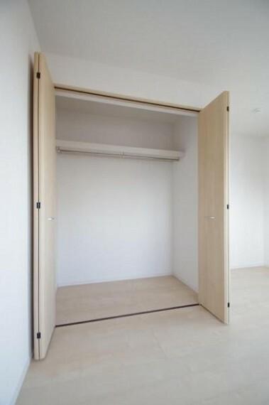 収納 《居室収納》各部屋に収納スペース付き!