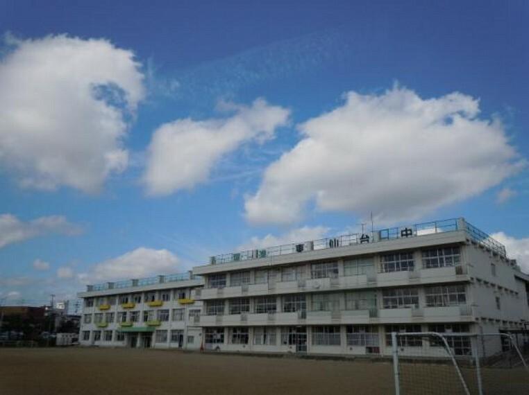 中学校 東仙台中学校まで徒歩12分(922m)