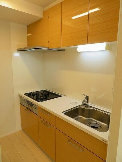 キッチン 収納スペース充実なのでお料理効率もアップしますね