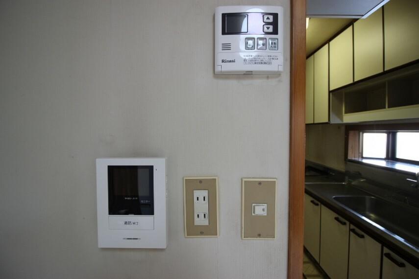 防犯設備 訪問者の確認が出来るモニター付インターホン付!
