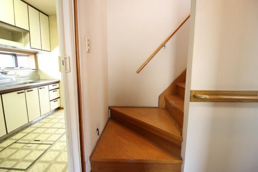 各階廊下に物入付