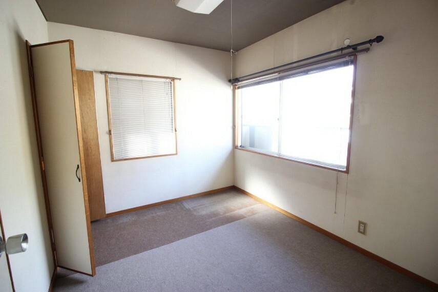 洋室 2階全居室2面採光の明るい居室