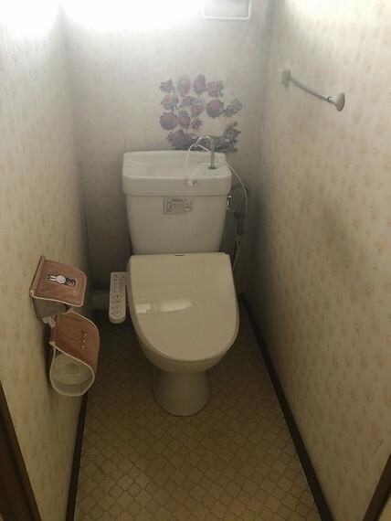 トイレ 洗浄便座付きのトイレ