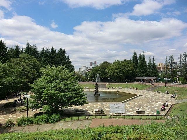 公園 世田谷公園 徒歩16分。
