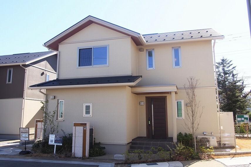 居間・リビング NO.28_全景(撮影_2021年2月)太陽光発電4.3kWを搭載!北海道基準の断熱性を誇る、セキスイの作る木の家です!