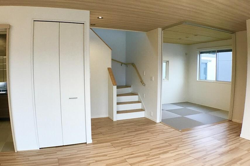 居間・リビング No.59-18_タタミルーム(撮影_2020年10月)4.5畳のタタミルームは、お子様のお昼寝やおもちゃ部屋など、多目的にご利用できます。窓も大きく開放的です。