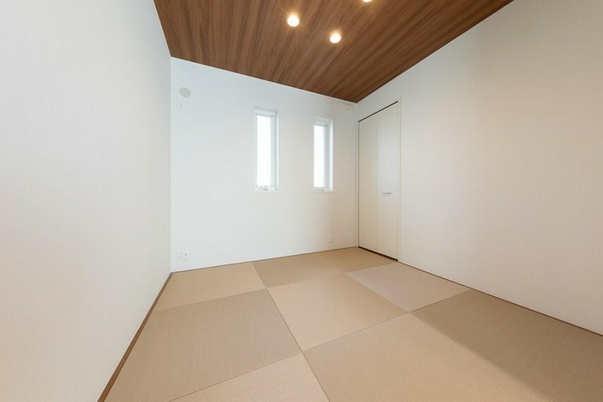 和室 No.53_和室(撮影_2021年4月)LDKと続きの和室。お子様が遊んでも怪我をしにくく安心です。収納はお布団やおもちゃ入れにご活用ください。