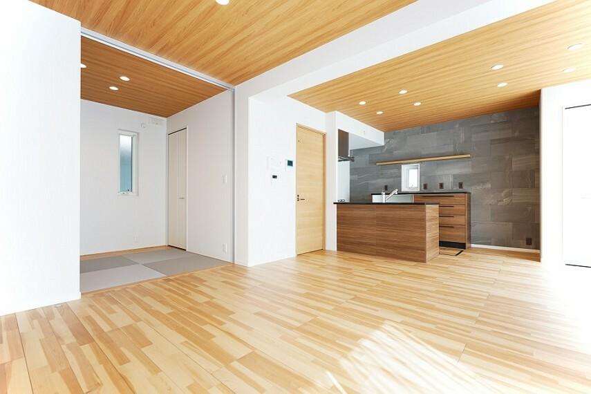 居間・リビング No.33_LDK2(撮影_2021年3月)和室とつづきのLDK! スライドウォール付きの和室は個室(リモート空間)としても使用できます。
