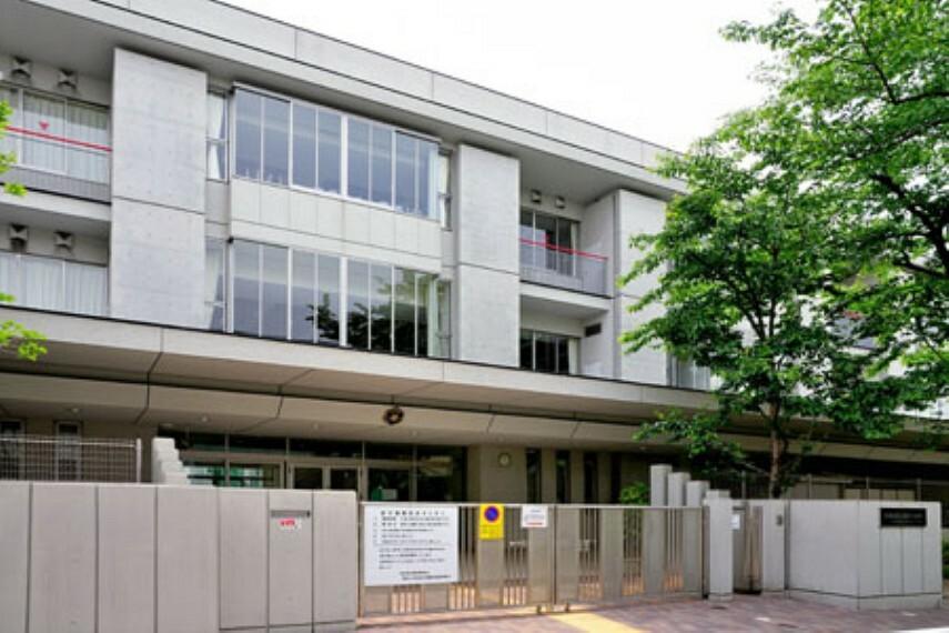 中学校 【中学校】世田谷区立駒沢中学校まで923m