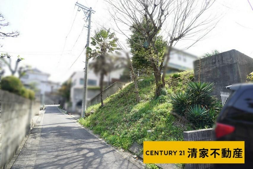 現況写真 小・中学校が近くお子様の通学も安心!(2021年04月撮影)