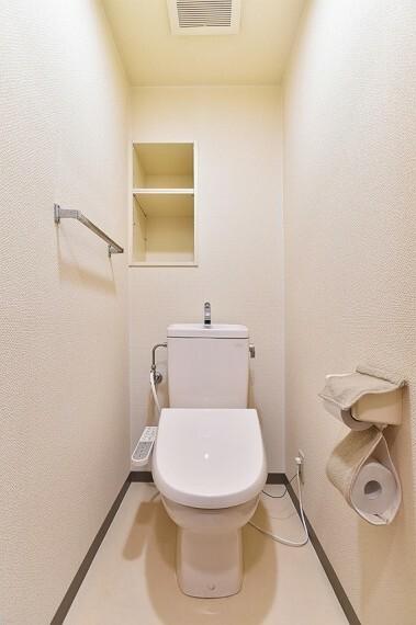 トイレ 温水洗浄便座付きのトイレで気持ちよくお使いいただけます。