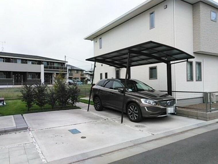 駐車場 駐車スペース、ゆったり3台分!