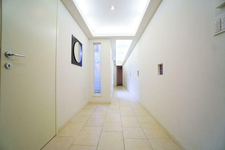 玄関 お客様を出迎える大切な玄関。広々とした空間が魅力です。
