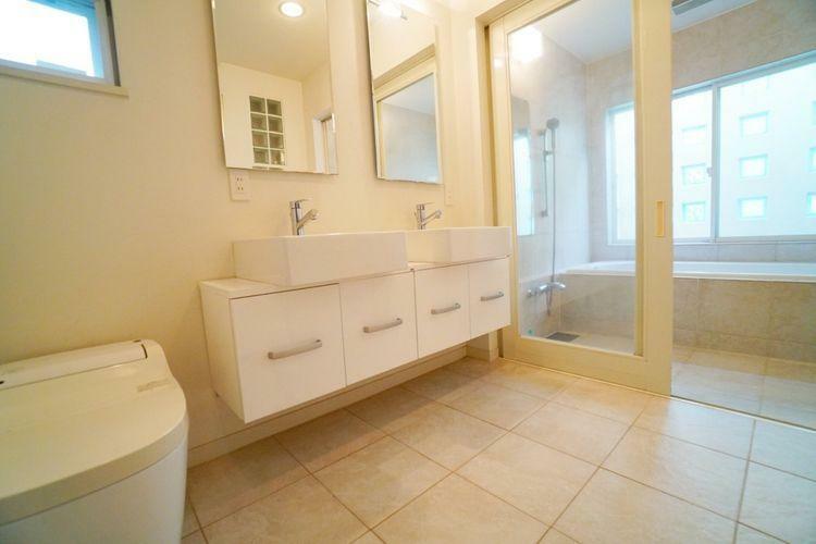 洗面化粧台 機能的で掃除がしやすい、おしゃれな洗面化粧台です!