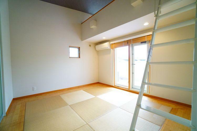 こだわりの光る琉球畳の和室です。