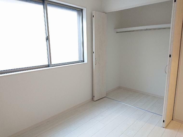 収納 収納もしっかりしております お部屋もスッキリ片付いて掃除も楽チンです
