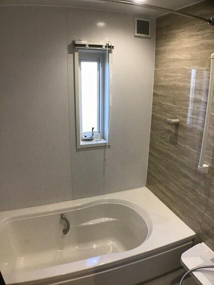 浴室 No.3_浴室(撮影_2021年2月)浴室乾燥暖房機付きバリアフリーバスです。断熱フタも付きます。