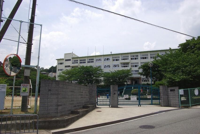 中学校 【中学校】川西市立川西中学校まで1577m