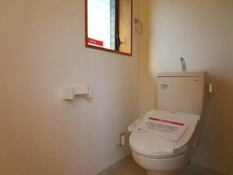トイレ 各階にトイレがあるので、朝の忙しい時間帯でもスムーズに準備ができますね。