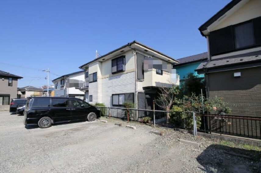 外観写真 2階居室は約6.6帖、約5.4帖に和室約6.6帖でございます!