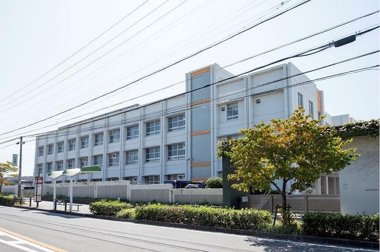 中学校 市立 千種台中学校 【通学区の中学校】城山中学校の分校として建設された中学校。
