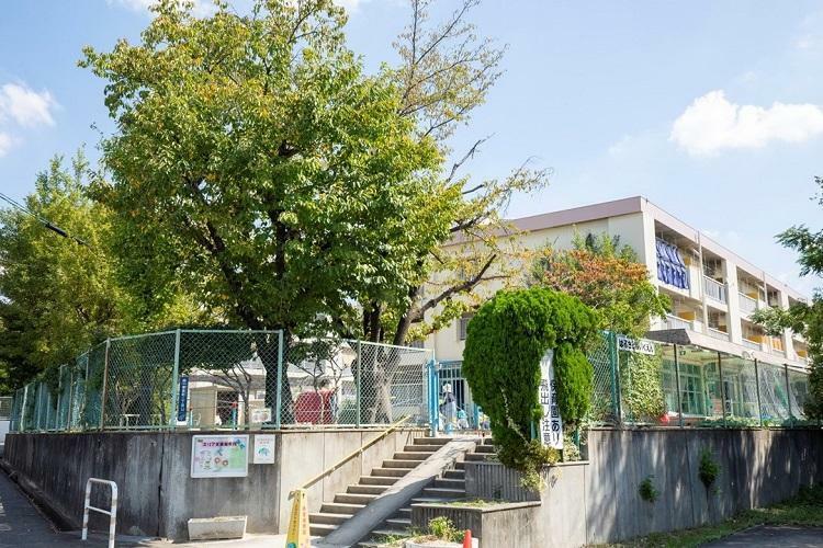 幼稚園・保育園 市立 春里保育園 徒歩6分の市立保育園。