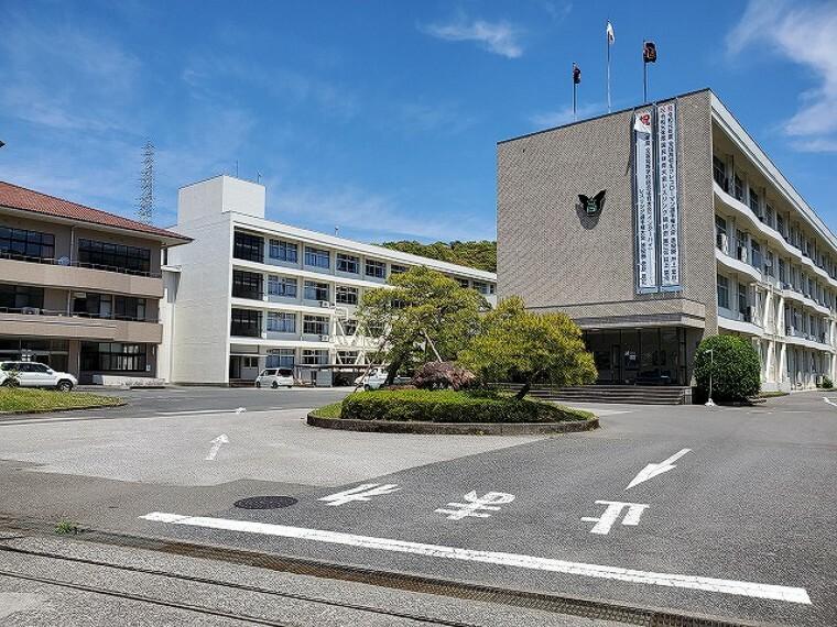 高校・高専 【高校】東高校まで765m