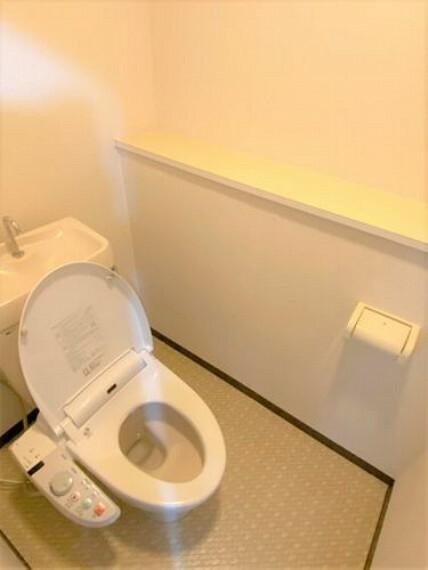 トイレ 1階2階どちらにもトイレがあるので、上り下りする必要がなく便利です