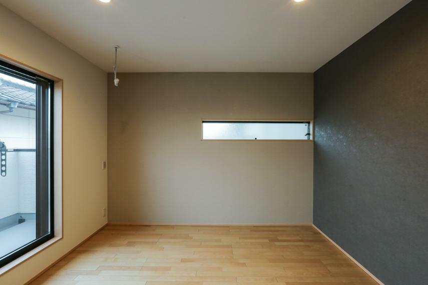 寝室 主寝室には室内用物干し「ホスクリーン」を設置しました。(1号棟)
