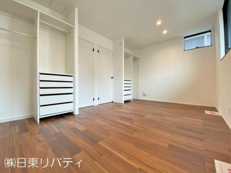 子供部屋 2階の洋室はお子様の成長に合わせて二部屋にすることもできます。