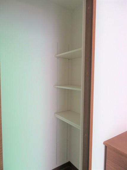 収納 中に入って靴選びが出来るシューズインクローク。